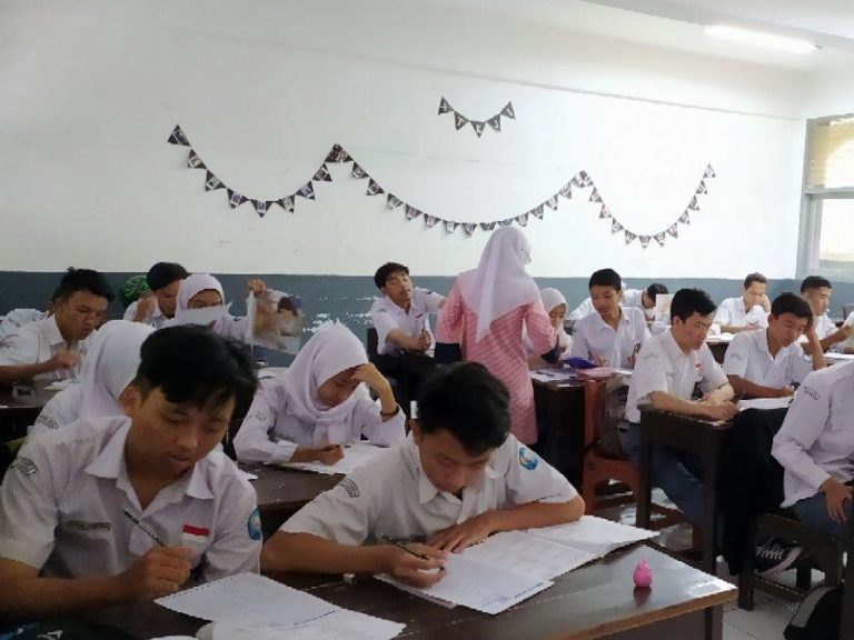 TOEIC Prediction - SMKN 5 Bandung-English Test for International Communication (ETIC)-by-SLE-Semesta Learning Evolution
